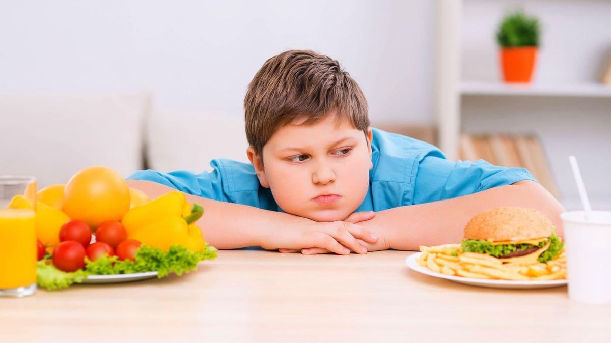Obesidad infantil: 5 malos hábitos que pueden ser la causa