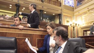 Rajoy con Sáenz de Santamaría, en el Congreso.