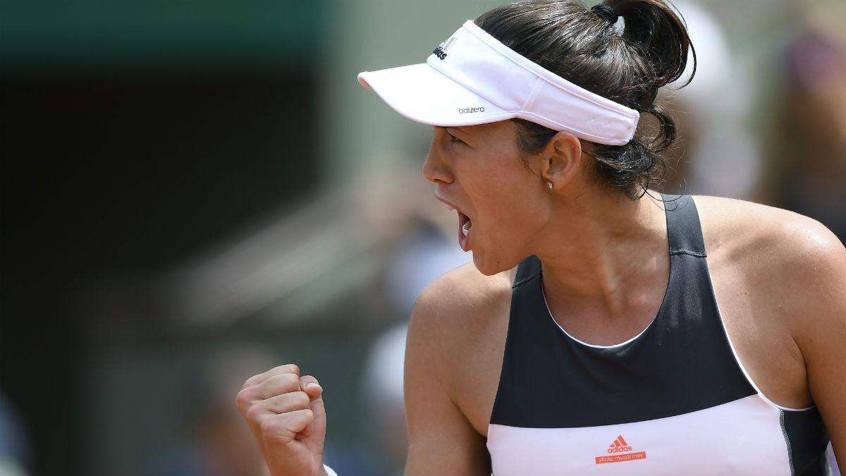 Garbiñe celebra un punto en Roland Garros. (AFP)