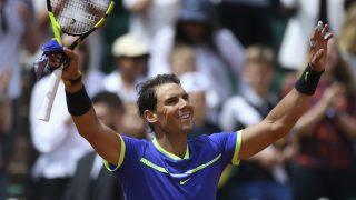Rafa Nadal celebra un triunfo en tierra esta temporada. (AFP)