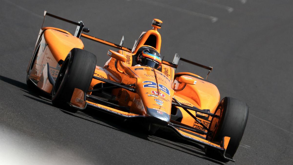 Zak Brown no descarta que McLaren continúe participando en carreras de la IndyCar, categoría en la que Fernando Alonso podría hacer alguna aparición más. (Getty)