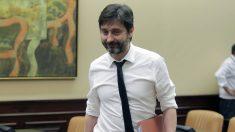 Rafael Mayoral, diputado en el Congreso por Podemos, durante la comisión de investigación del exdirector de la policía (Foto: Francisco Toledo)