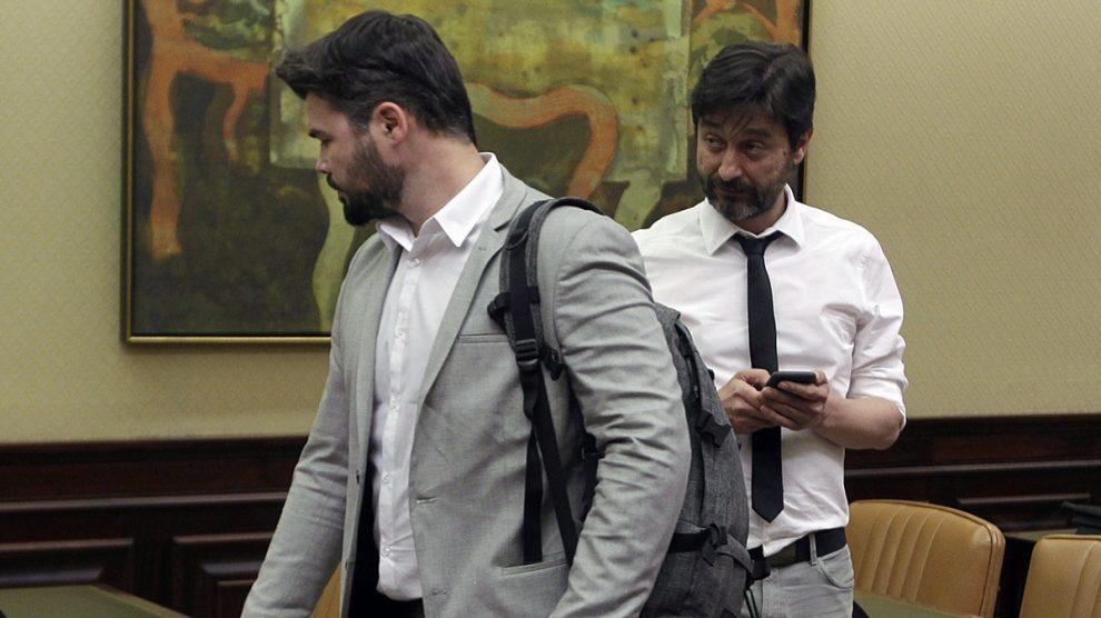 Gabriel Rufián y Rafael Mayoral en la comisión de investigación (Foto: Francisco Toledo)