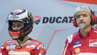 Gigi Dall'Igna se muestra confiado en que Lorenzo acabe ganando con Ducati, a pesar de los problemas de adaptación que está teniendo. (Getty)