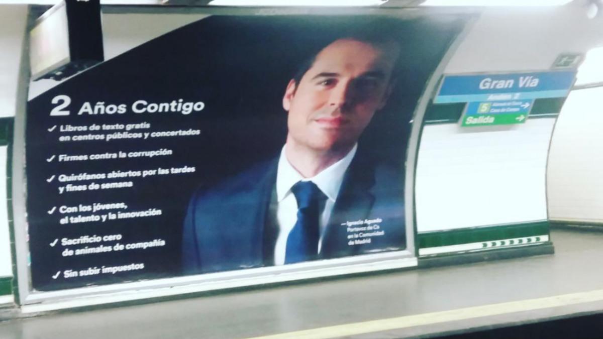 Campaña de Aguado en el metro (@Alma_Park)
