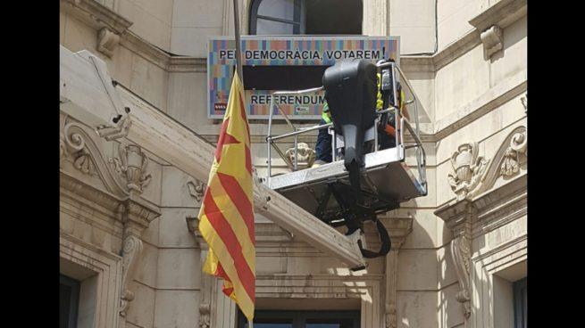 Los independentistas ponen un marcador de cuenta atrás hacia el referéndum en el Ayuntamiento de Berga
