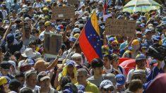 Protestas multitudinarias en Caracas contra Nicolás Maduro. (Foto: AFP)