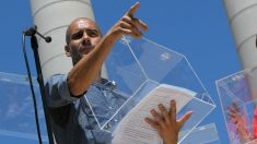 Pep Guardiola durante la lectura del manifiesto independentista. (AFP)