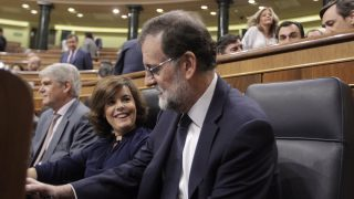 Mariano Rajoy y Soraya Sáenz de Santamaría en el Congreso de los Diputados. (Foto: Francisco Toledo)