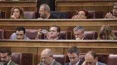 Gente aburrida en el Congreso. (Foto: Francisco Toledo)