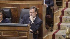 Mariano Rajoy se aburre durante el discurso de Irene Montero. (Foto: Francisco Toledo)