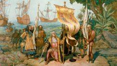 Ilustración de Colón desembarcando en América
