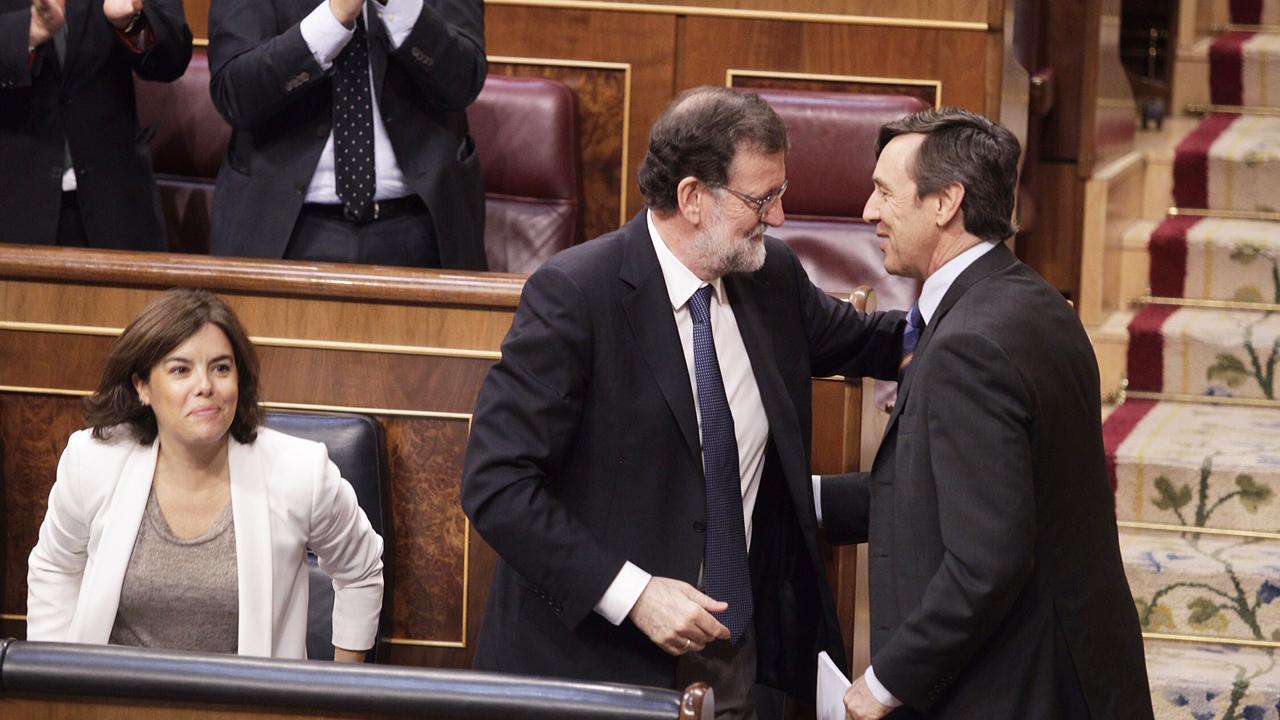 Rajoy, con Hernando y Sáenz de Santamaría, en el Congreso. Foto: Francisco Toledo