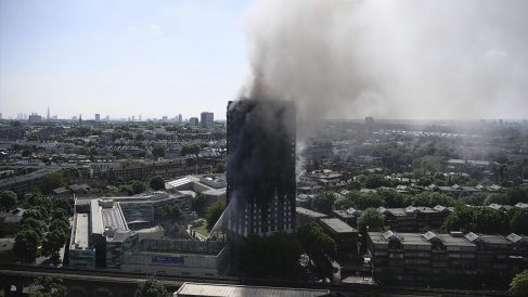 La Torre Grenfell, pasto de las llamas. (Foto: AFP)