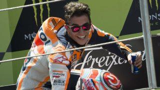 A pesar de ser la temporada en la que menos carreras ha ganado a estas alturas, Marc Márquez sigue pensando que el título es posible. (Getty)