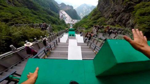 El deportista Calen Chen ha compartido esta curiosa prueba de parkour en China