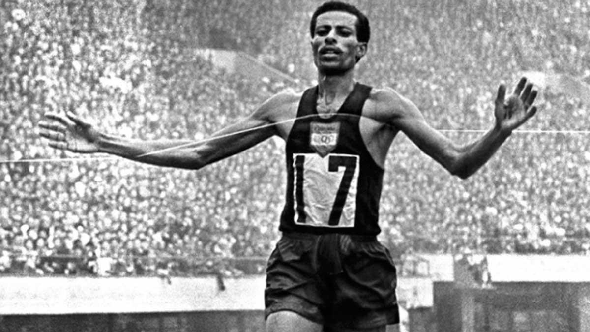 Abebe Bikila El Hombre Que Gano Un Maraton Olimpico Descalzo