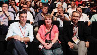Pedro Sánchez y José Luis Rodríguez Zapatero, en el 39 Congreso del PSOE. (Foto: Francisco Toledo)