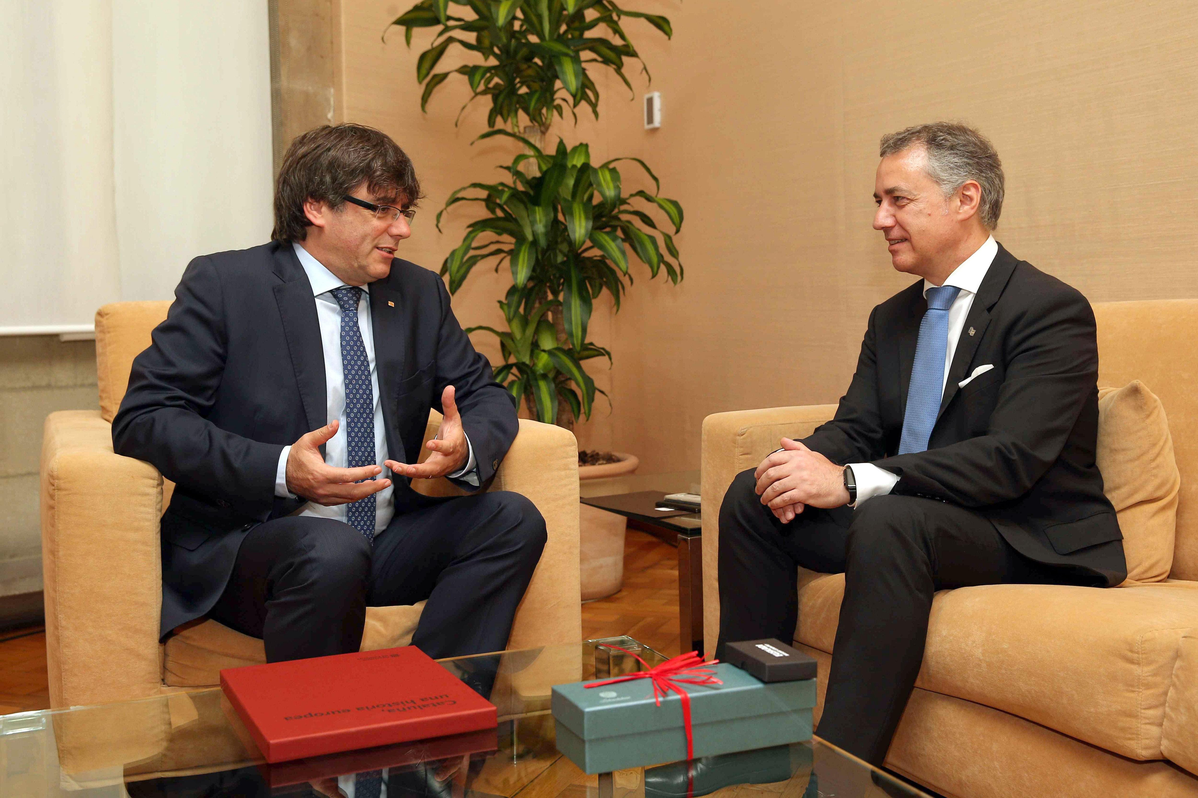 Carles Puigdemont e Íñigo Urkull