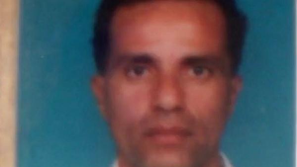 Éste es el rostro difundido por los medios franceses de Adam Djaziri, el terrorista de los Campos Elíseos en París.