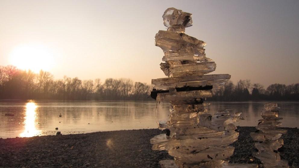 Descubre estas curiosas pirámides de hielo que sirven para almacenar agua