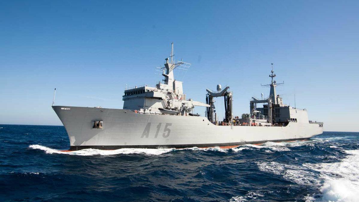 Buque de Aprovisionamiento en Combate (BAC) 'Cantabria' de la Armada española.