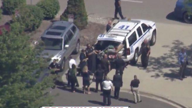 Un policía es apuñalado en un aeropuerto de Michigan al grito de «Alá es grande»