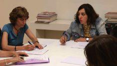 La edil de Políticas de Género y Diversidad, Celia Mayer, y la nueva directora general María Naredo. (Foto: Madrid)