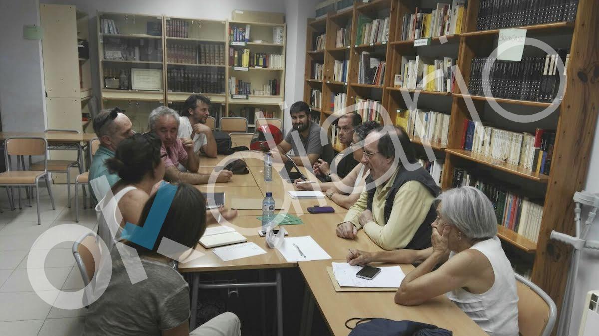 Reunión de Podemos en el Centro de Formación de Personas Adultas, CFA, El Carmel (Barcelona).