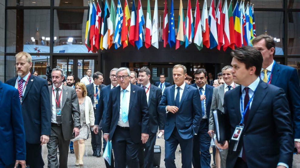 Los presidentes de la Comisión, Jean-Claude Juncker, y del Consejo, Donald Tusk, en Bruselas. (AFP)