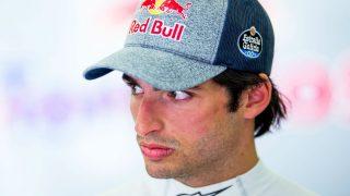 Carlos Sainz ha asegurado que su futuro depende de Red Bull, pero que no quiere pasarse una cuarta temporada como piloto de Toro Rosso en 2018. (Getty)