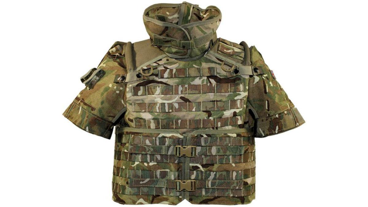 Chaleco de protección balística en combate.