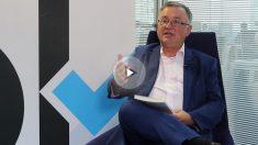 El periodista Jhon Müller en OKDIARIO. (Foto y vídeo: Enrique Falcón)