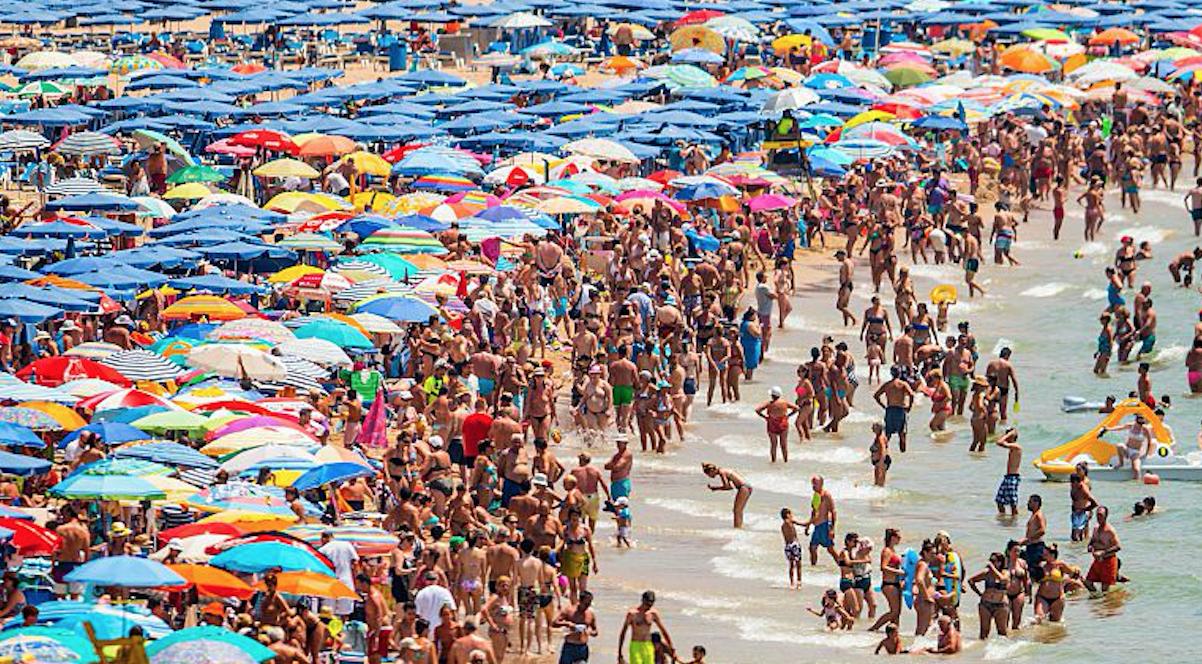 Los turistas siguen eligiendo España como destino (Foto:Getty)