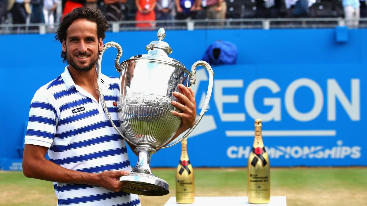 Feliciano López, con el trofeo de campeón de Queens. (Getty)