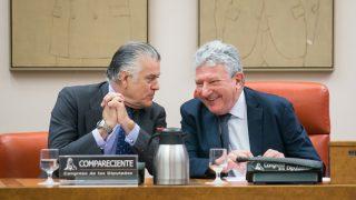 Luis Bárcenas en la comisión de investigación relativa a la presunta financiación ilegal del PP. (Foto: Francisco Toledo)