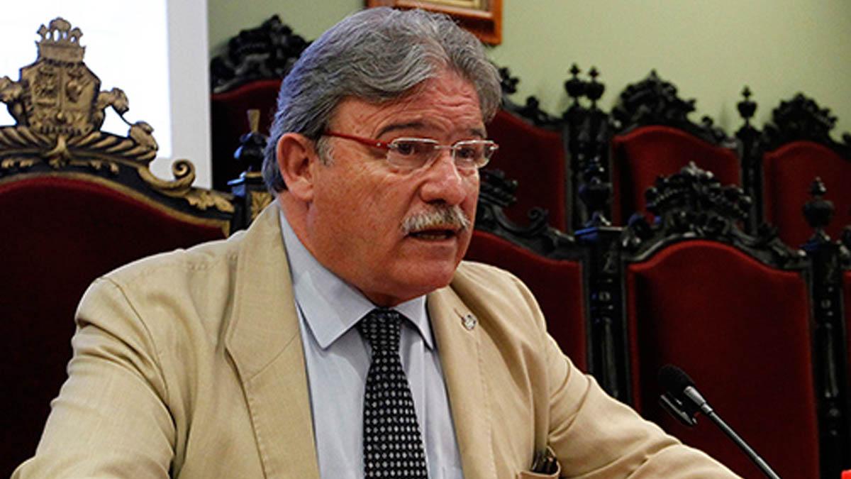 El decano del Colegio de Abogados de Granada Eduardo Torres González-Boza
