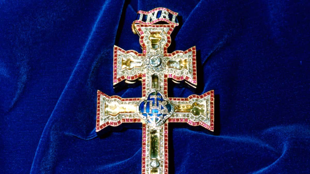 La Cruz de Caravaca es un símbolo para el cristianismo
