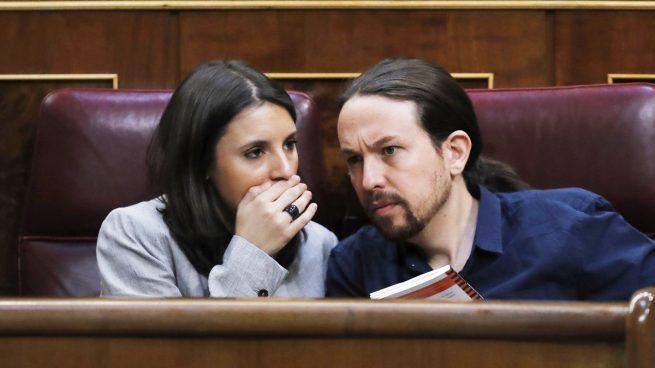 """Guerra total en Podemos: los críticos acusan a Iglesias de imponer su """"ley del silencio"""""""