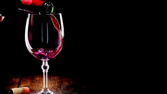 Científicos españoles consiguen un vino tinto que evita la resaca tras su consumo masivo