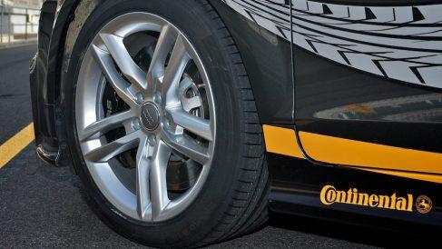 Neumático Continental.