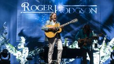 Roger Hodgson durante una reciente actuación en Madeira. Foto: Getty