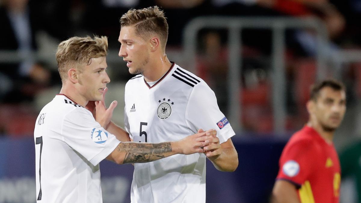 Los alemanes, celebrando el gol de Weiser.
