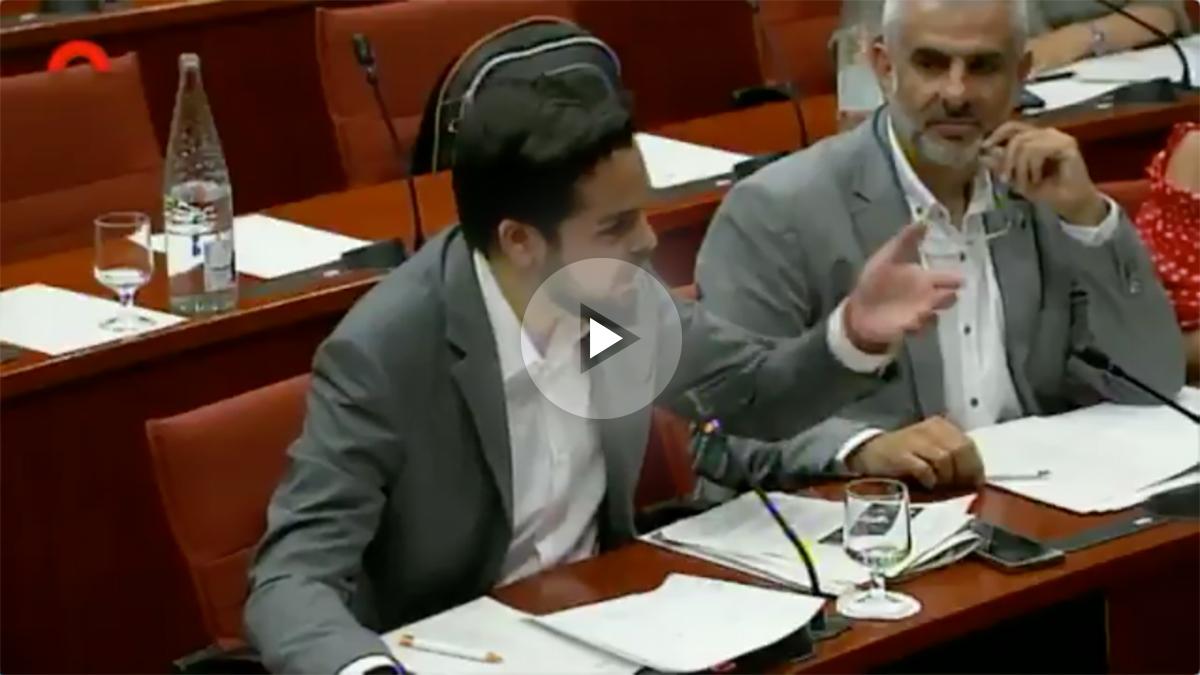 Fernando de Páramo acusando a Vicent Sanchis, director de TV3, de censurar la emisión de las pitadas a Carles Puigdemont.