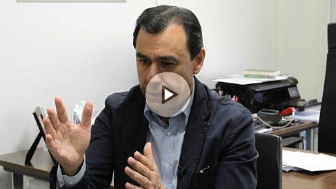 Martínez-Maíllo en un momento de la entrevista con OKDIARIO