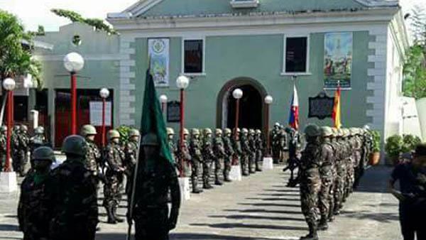 Sentido homenaje en Luzón de las tropas locales a los últimos de Filipinas