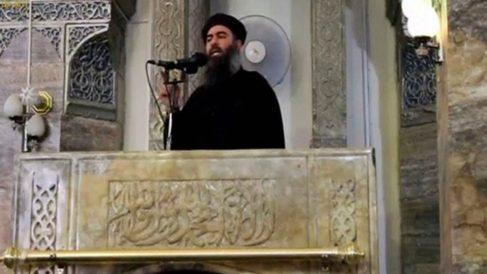 Abu Bakr al Baghdadi, el día en que proclamó el 'califato' en la Gran Mezquita Al Nuri de Mosul (Irak).