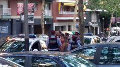 Agentes de los Mossos detienen a dos miembros de Arran, juventudes de la CUP.