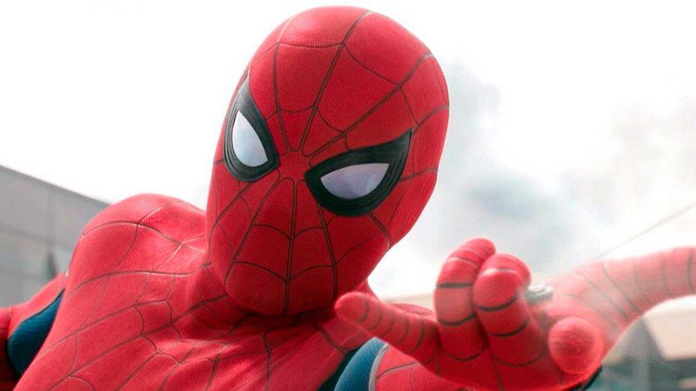 Tres niños se dejan picar por una araña viuda negra pensando en que se convertirían en Spiderman