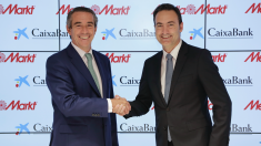 Juan Alcaraz, director general de CaixaBank y Ferran Reverter, CEO de MediaMarkt Iberia. (Foto: CaixaBank)